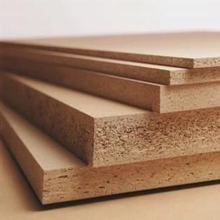 vidutinio tankio medienos plausu plokstes